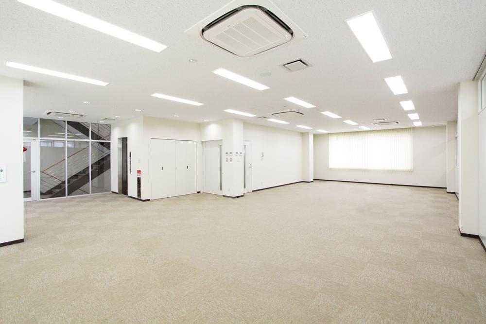 新築事務所会議室