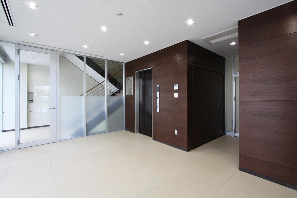 新築事務所エレベーターホール